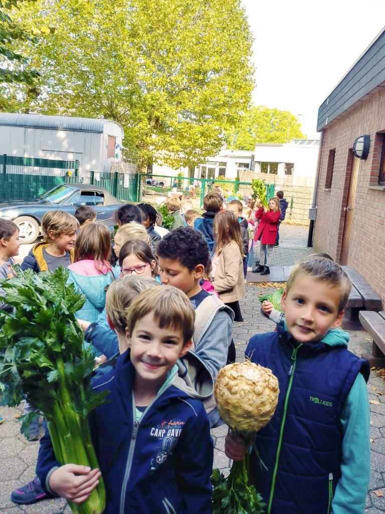 Dort werden das Obst und das Gemüse gesammelt ...