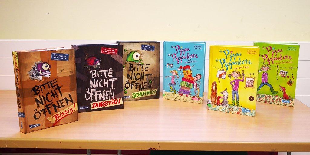 Eine Auswahl der Bücher, die Charlotte Habersack geschrieben hat.