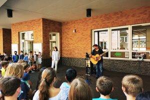 Schulhof-Konzert an der KGS!